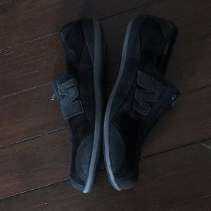 Black suede merrell tennis shoes